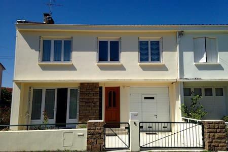 House/garden in quiet neighborhood - Albi - Hus