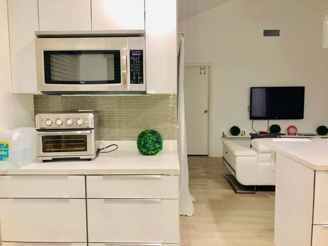 Clean&cozy room w/ kingbed near sawgrass mall&BB&T