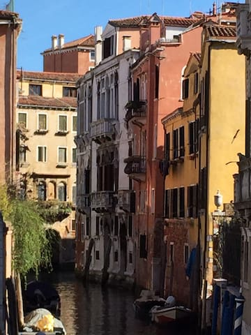 Luxurious canal - side apartment - Venice - Apartmen
