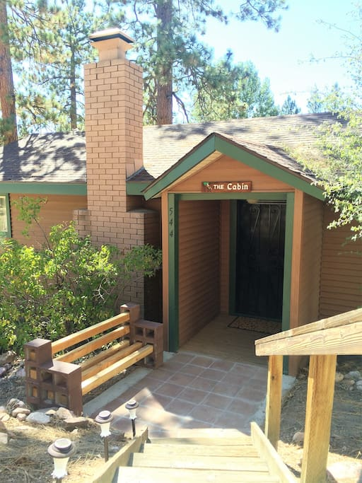 New renovated rustic cabin walk to lake village for Cabins for rent in big bear lake ca