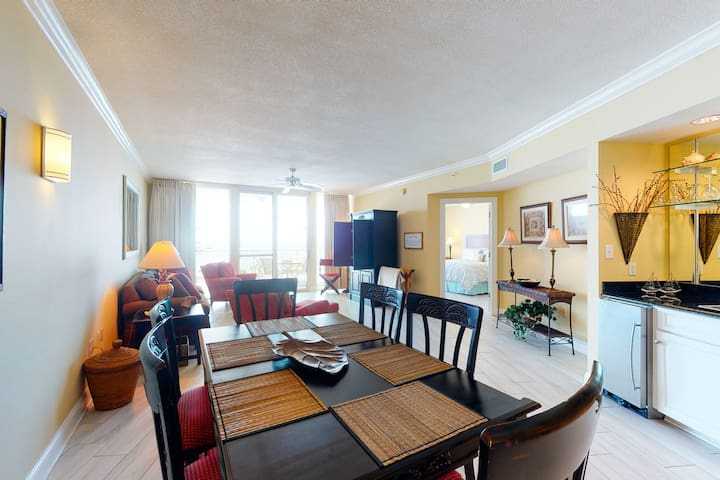 Spacious condo near the beach w/ stunning views, wet bar, & shared indoor pool!