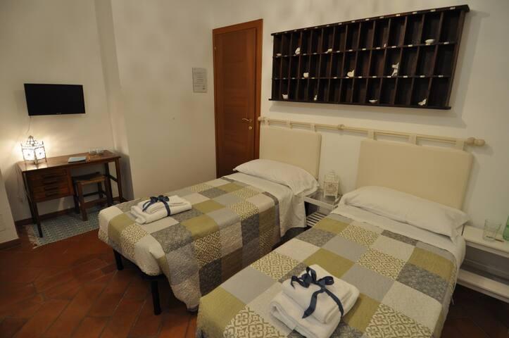 CUBEB di Pepe Guest House Roma-Mezzocammino