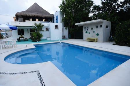 Authentic Mayan Palapa Puerto Morelos Mexico - Puerto Morelos - House