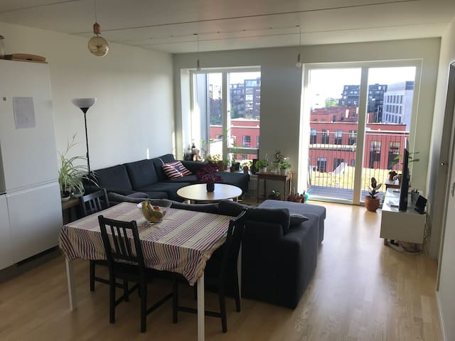 Double bedroom in a brand new sunlit apartment!