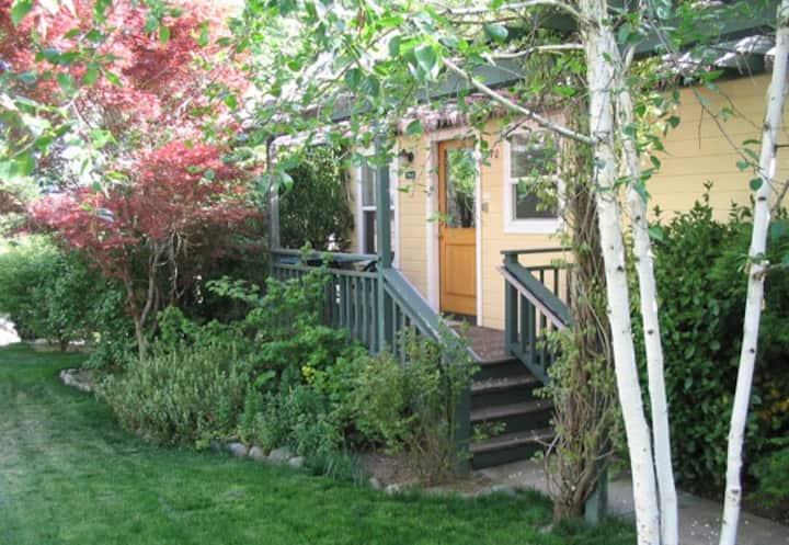 Abbott's Cottages- Duck