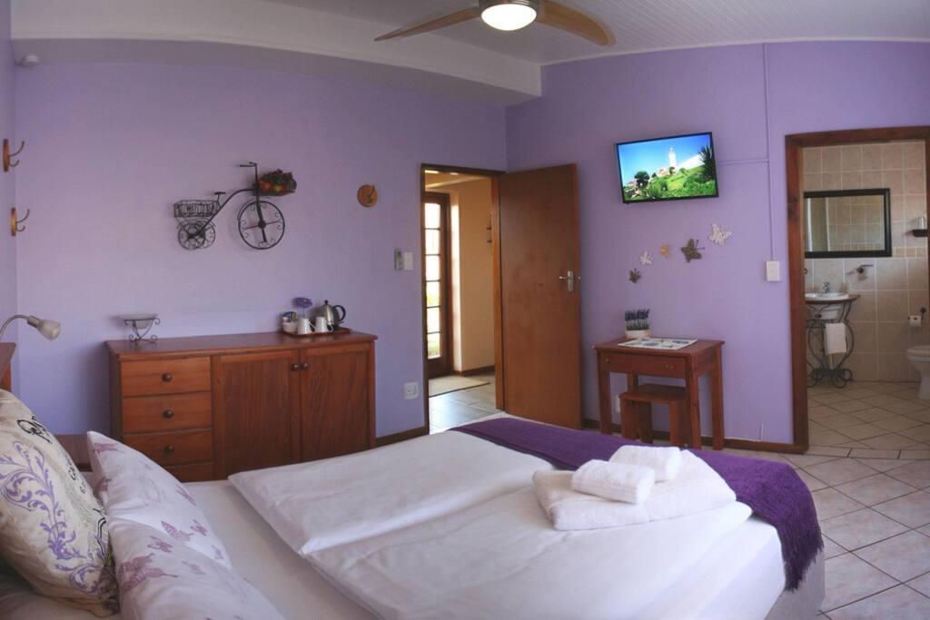 Lavender (XL-Queen Bed)