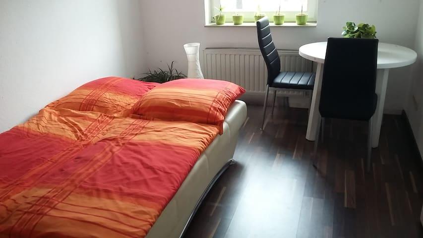 Schönes, ruhiges Gästezimmer am Elberadweg, Cracau - Magdeburg - Pis