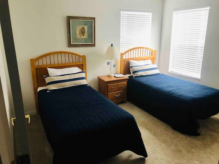 Private room with 2 Twin bed in second floor