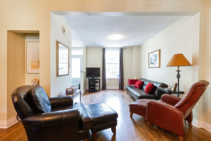 Incredible House in the Byward Market!