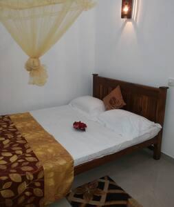 Ranjith Guest big bedroom - Mirissa
