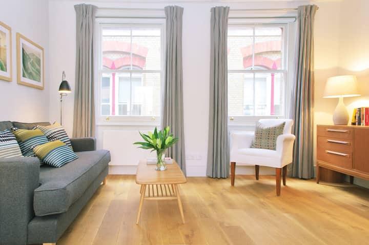 Large Roof Terrace | Stylish | Peaceful Nook