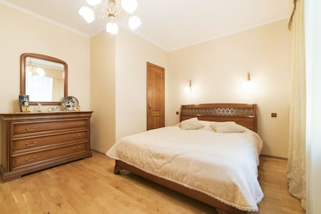 5**** COMFORTABLE PRIVATE BEDROOM HEART OF TALLINN