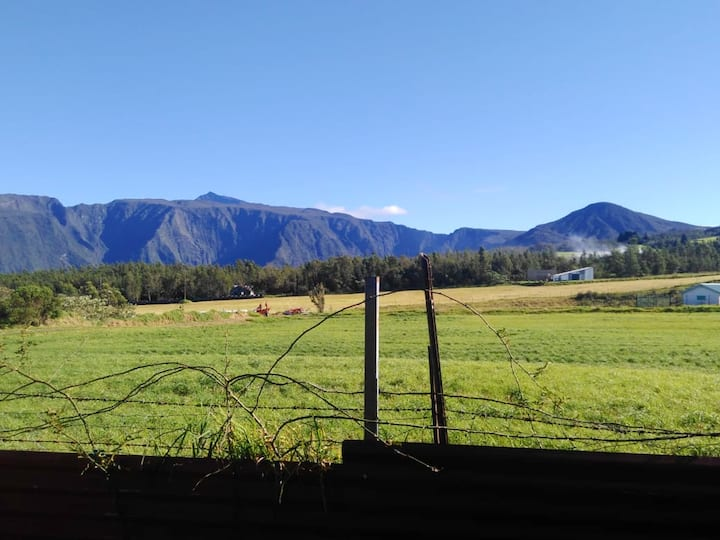 House with 2 bedrooms in La Plaine des Cafres, with wonderful mountain view and enclosed garden
