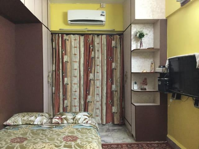 Private room with TV, AC, WiFi & Tea / Coffee - Mumbai - Huoneisto