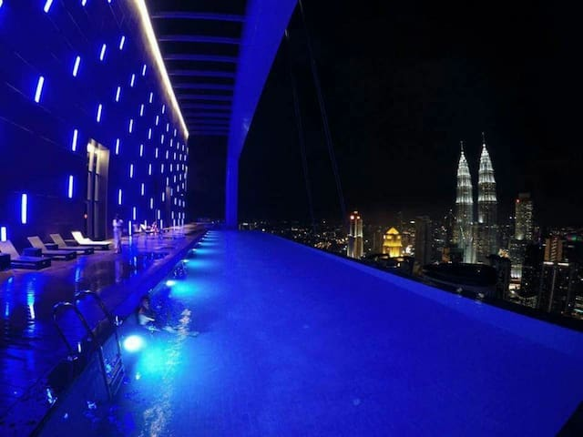 360°KLCC View(M+)2min Monorai|∞Pool|Family|Karaoke