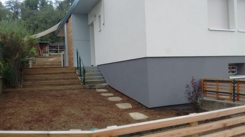 chambrette au vert près de Nancy - Malzéville - Rumah