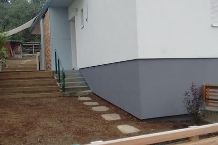 chambrette au vert près de Nancy - Malzéville