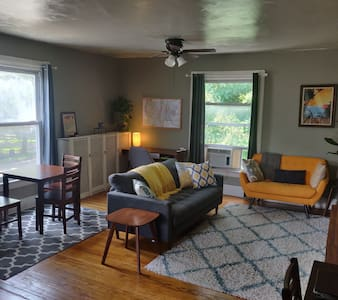 Large Private Apartment near Downtown Ypsi