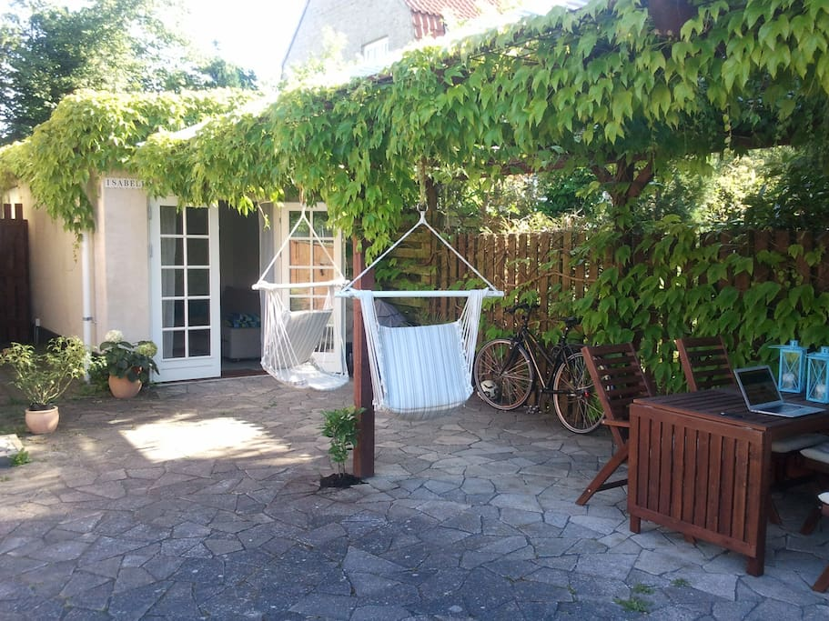 Annex under the pergola in the garden.