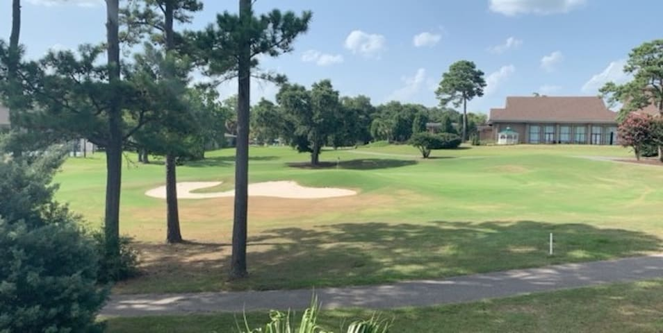 Newly Renovated 2 Bedroom Condo on Golf Course!