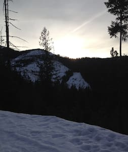 North Idaho Dream Location Ski, Hunt, Hike, Relax - Wallace - Huis