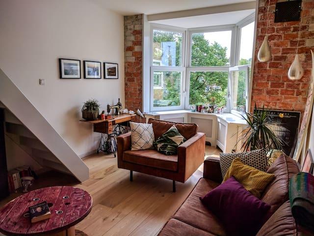 Lovely spacious apartment near Olympic stadium