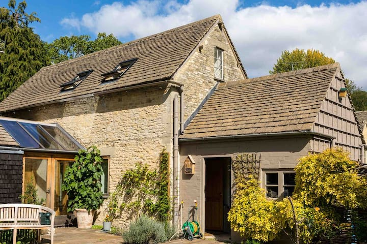 Converted Annexe in the heart of the Cotswolds