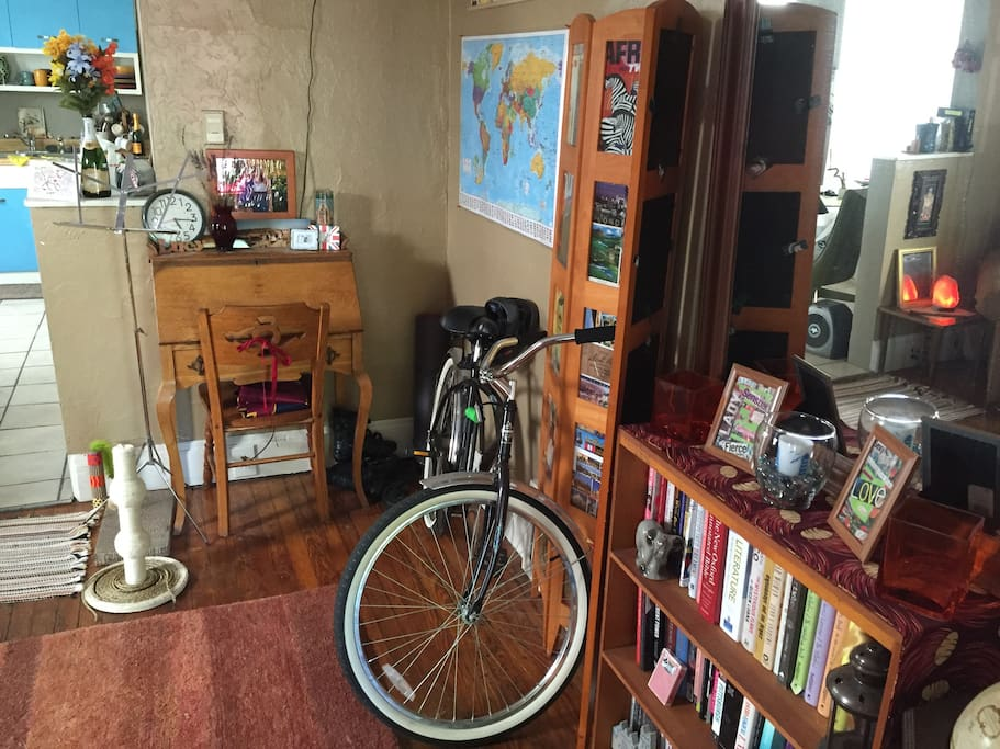 Front Living Room - bike (with lock!) is available to ride