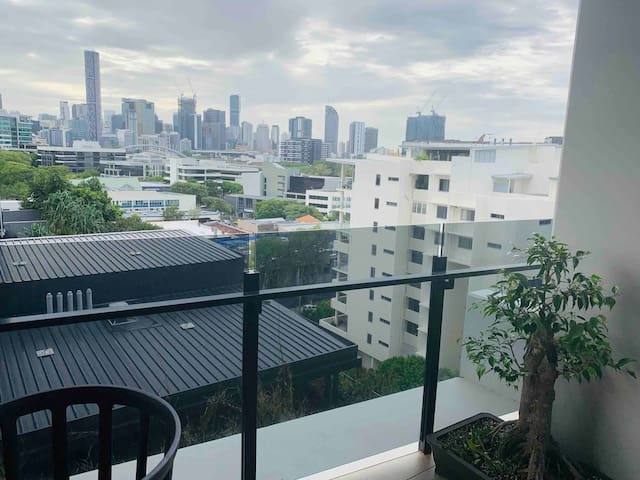 *Lux LVL8Private Room Milton*Walk to CBD, Suncorp