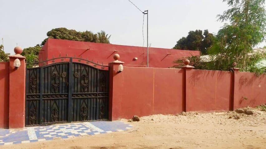 Casa de Bantu: Gambia