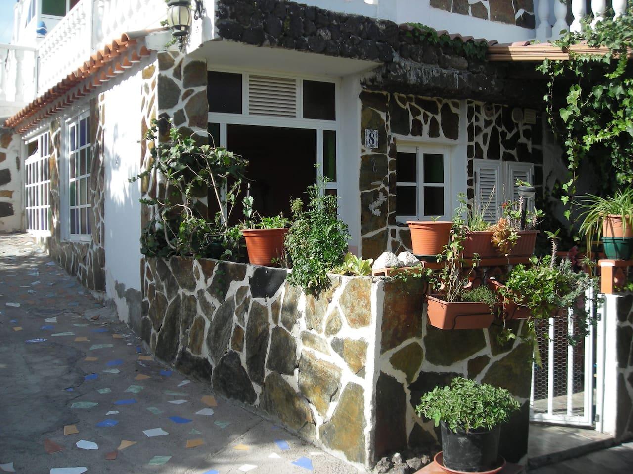 apartamento con pequeña terraza