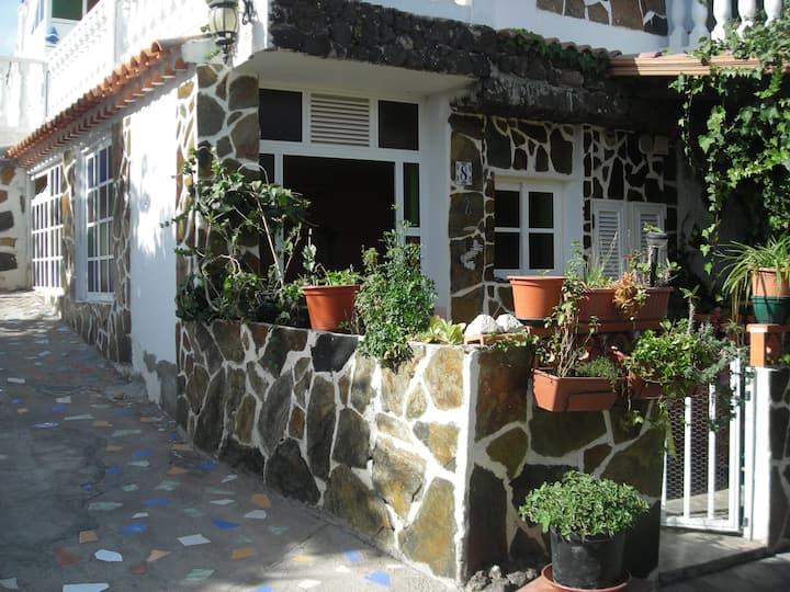 Tenerife sur_ zona rural_acogedor apartamento