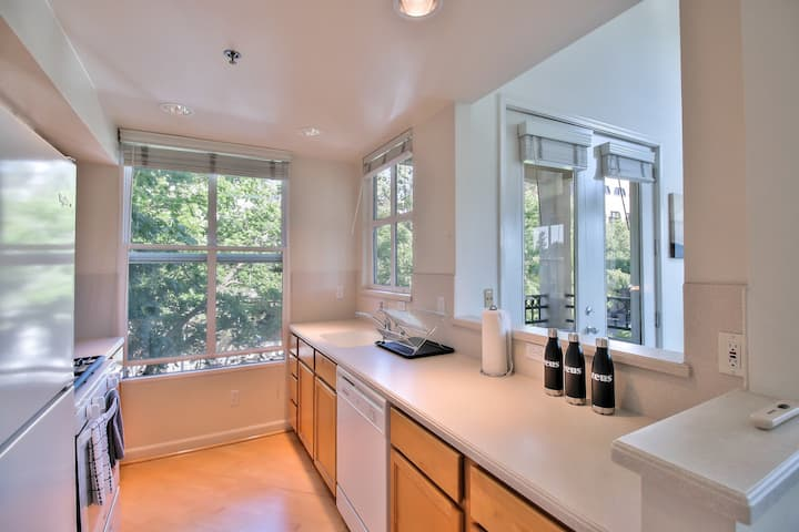 3BR Townhouse near Castro Street in Mountain View