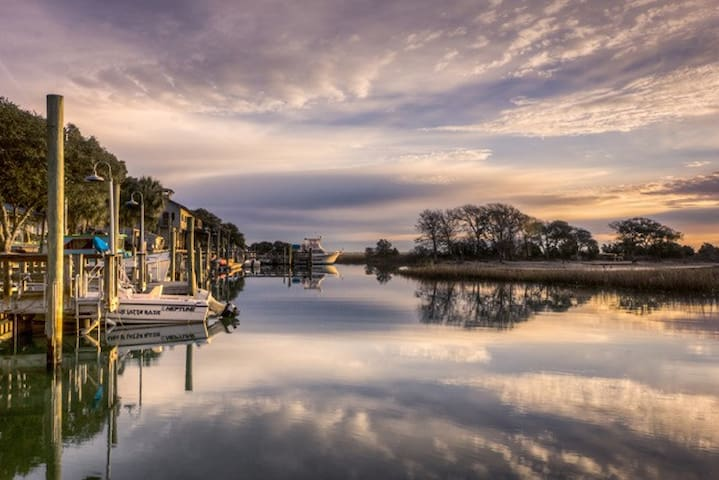 Guidebook for Murrells Inlet and the Grand Strand