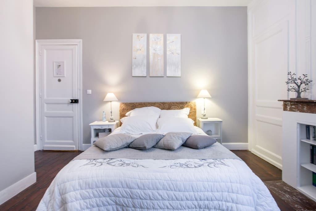 chambre d 39 h tes la m sange bed and breakfasts for rent in lille nord pas de calais france. Black Bedroom Furniture Sets. Home Design Ideas