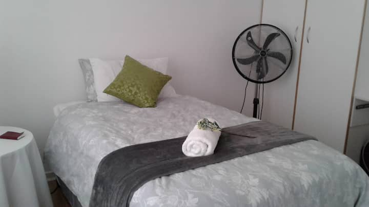 Diedies Colenso B & B - Single Room