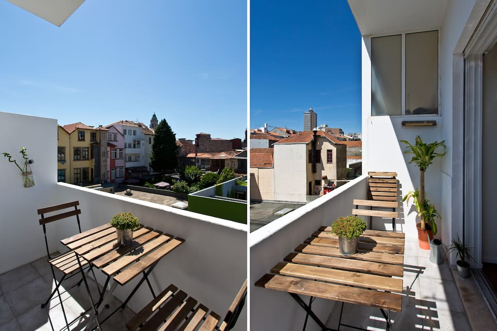 Small terrace to have great night talks while you drink a glass of wine.