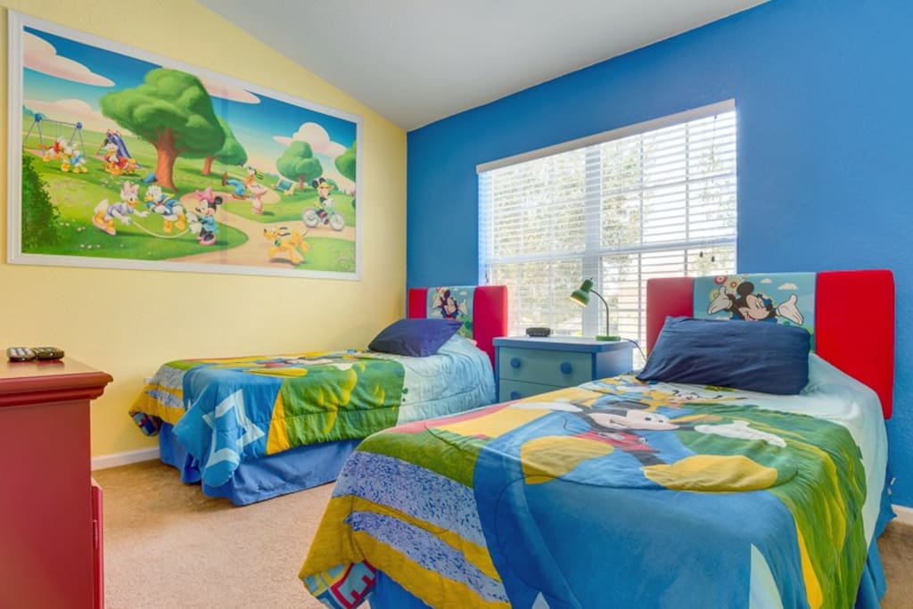 The perfect Mickey Mouse themed bedroom for the kids
