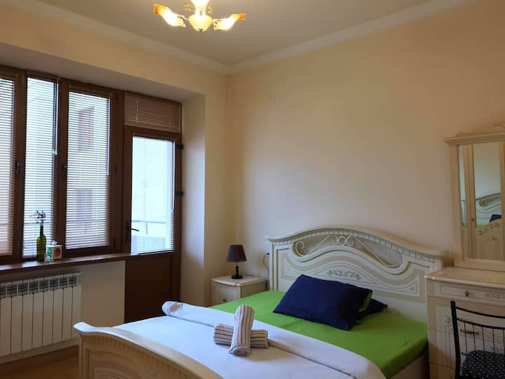 Lovely Room-Clean & Big Apartment in the center