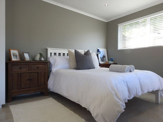 Heron's Nest - Self Catering Cottage Melkbosstrand