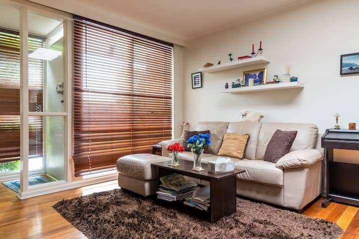 2 Bedroom Cosy Villa near St Kilda