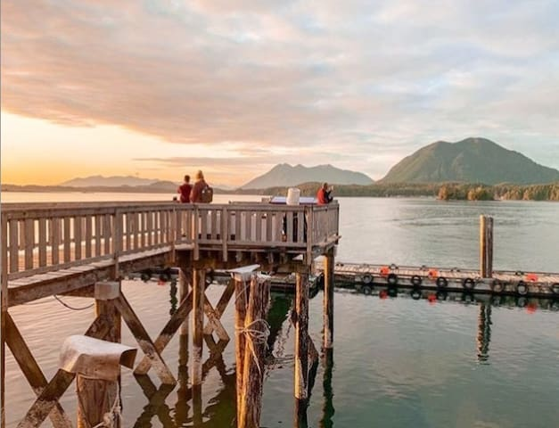 Oceanfront ❤ Spacious Loft Condo at Tofino Harbour