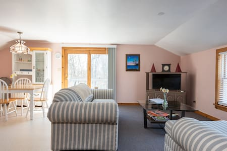 Cody Farms - Private Spacious 1 Bedroom Apartment
