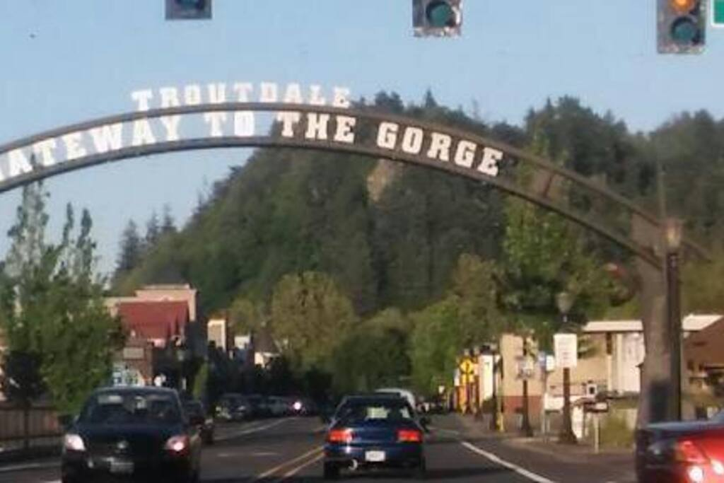 On The Edge Of Edgefield Houses For Rent In Troutdale