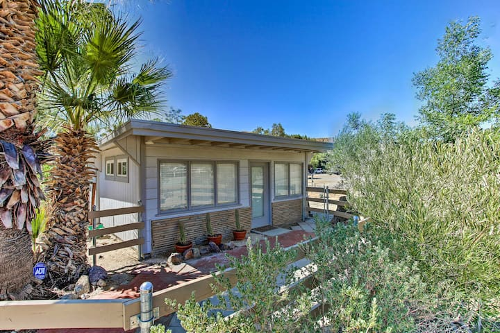 NEW! Morongo Valley Studio: 21 Mi to Joshua Tree!