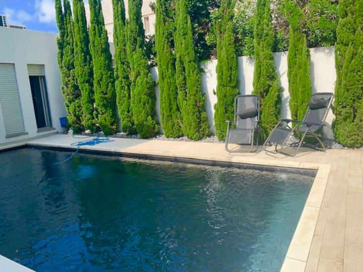 Luxury villa near the beach (Dan Accadia area)