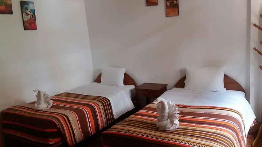 Habitacion Privada: Doble de 2 camas individuales