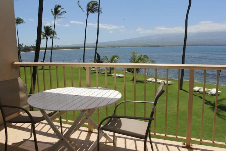 MK202 - Deluxe Maui Ocean Front Condo in Quiet Resort with Exquisite Views