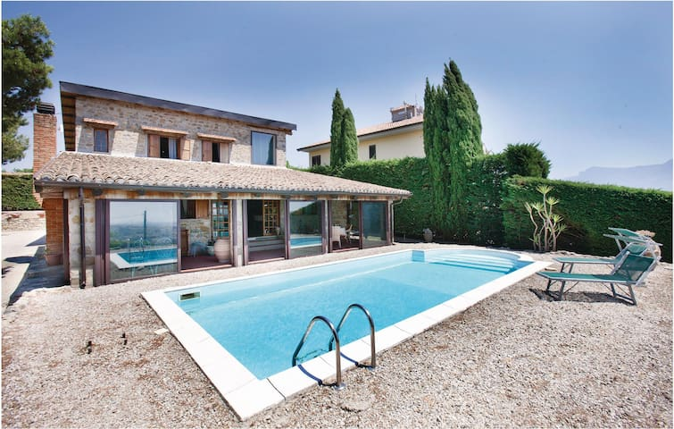 Holiday cottage with 4 bedrooms on 180 m² in Contursi Terme (SA)
