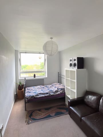 Great Value Bright and spacious double room